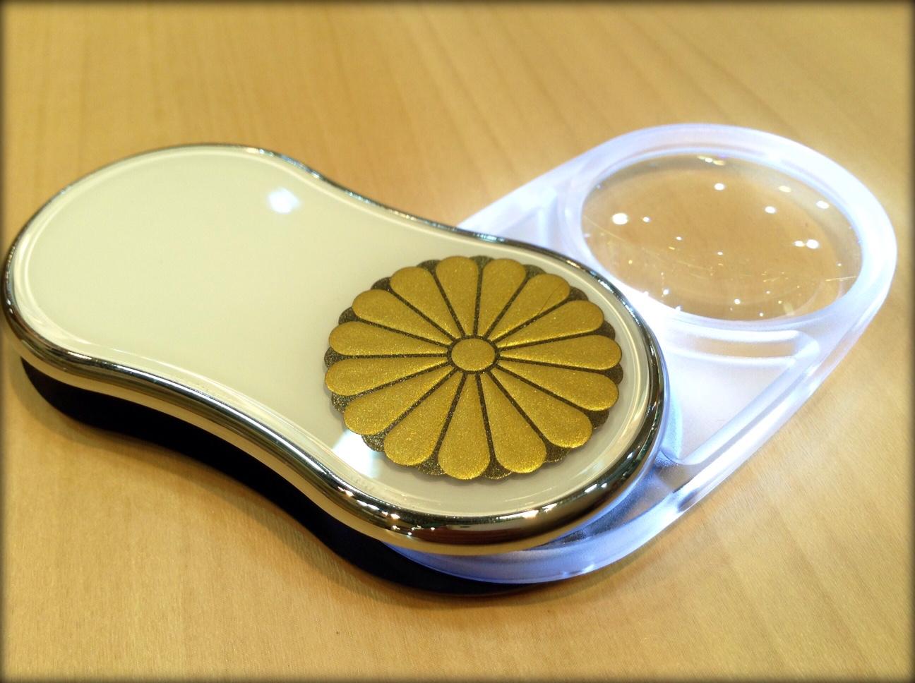 カートンR7545S天皇即位ルーペ菊花紋ホワイト