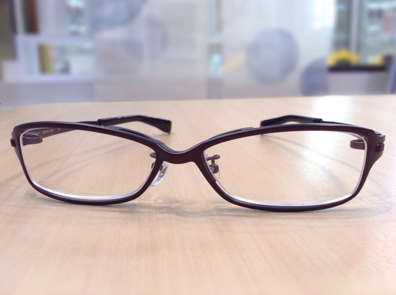 フォーナインズ 品番:S-821T  カラー:8(ダークブラウンマット) レンズサイズ:53ミリ