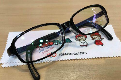 トマトグラッシーズ 品番:TJAC12 カラー:BK/BK(BL) レンズサイズ:47ミリ