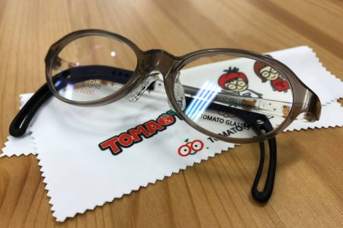 トマトグラッシーズ 品番:TKAC27 カラー:BR/ベア レンズサイズ:40ミリ