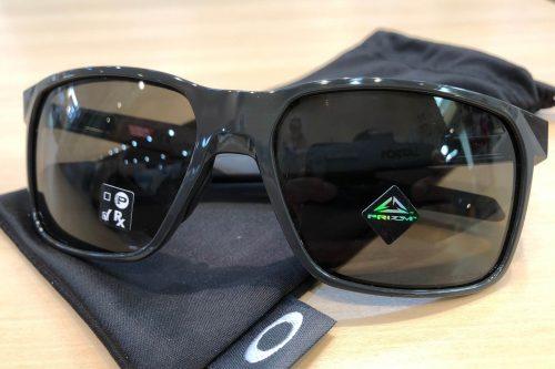 オークリーポータルイックス 品番:OO9460 カラー:カーボン/プリズムグレイ レンズサイズ:59ミリ